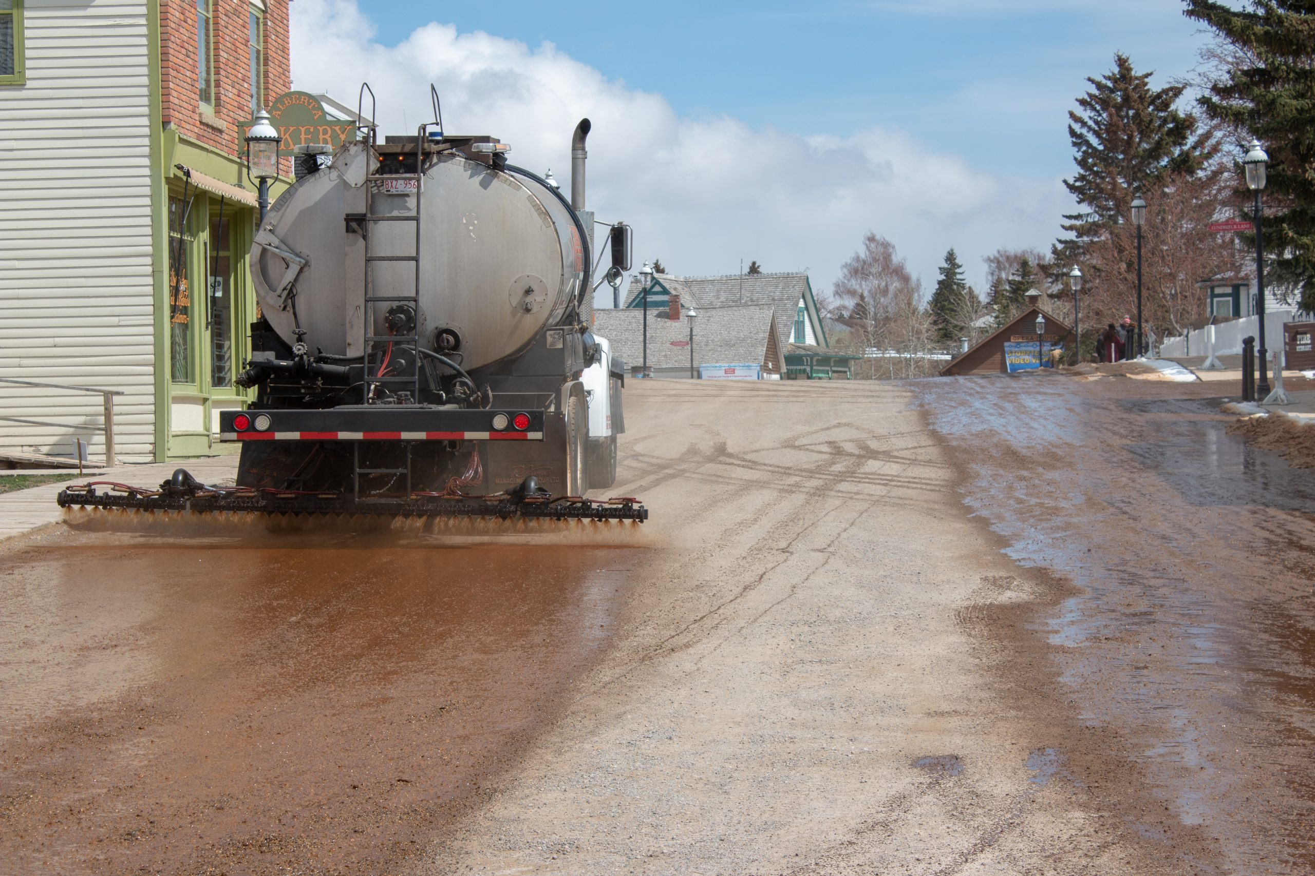 products asphalt calcium chloride and lignosulfonate